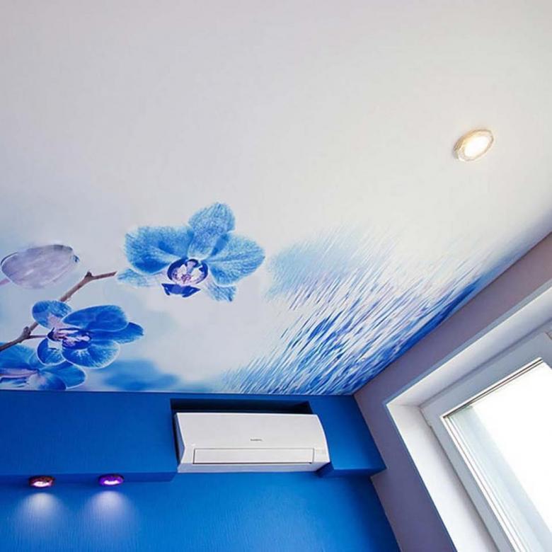 натяжные потолки расцветки с рисунком фото ряде